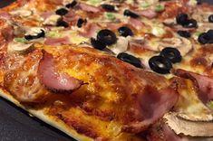 Rețetă și sfaturi pentru blat de pizza pufos, rapid și gustos. Cum să pregătești o pizza de casă perfectă, cu un blat pufos, moale la interior și crocant în exterior. Cum se coace pizza acasă și cum obții o pizza mai bună decât cea de restaurant. Pizza, Mai, Sausage, Pork, Restaurant, Chicken, Interior, Kale Stir Fry, Indoor