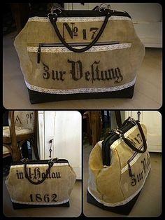 Carpet Bag in Bürotschengröße aus altem Leinen, kombiniert mit schwarzem Leder. Genäht von Doris im Juni 2010 Carpet Bag, Juni, Bags, Black Leather, Handbags, Bag, Totes, Hand Bags