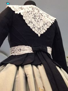Indumentaria valenciana 1700s Dresses, Old Dresses, Costumes Around The World, Vintage Dresses 50s, Neo Victorian, Edwardian Fashion, Costume Design, American Apparel, Clothes For Women