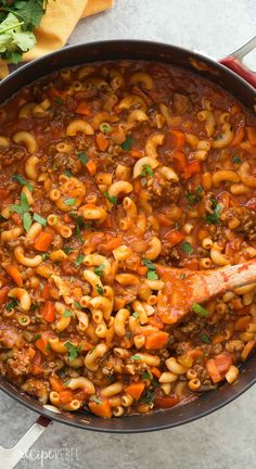 This One Pot Beef and Tomato Macaroni Soup is a classic! It's a healthy, one pot meal made in 30 minutes or less and loaded with vegetables. Includes how to recipe video I had Slow Cooker Recipes, Beef Recipes, Cooking Recipes, Healthy Recipes, Recipies, Delicious Recipes, Tomato Macaroni Soup Recipe, Hamburger Macaroni Soup, Pasta Recipes