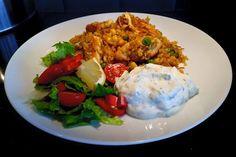 Bulgurpilaff med kycklingfilé och tzatsiki - ZEINAS KITCHEN Grains, Curry, Eggs, Chicken, Meat, Dinner, Breakfast, Food, Bulgur