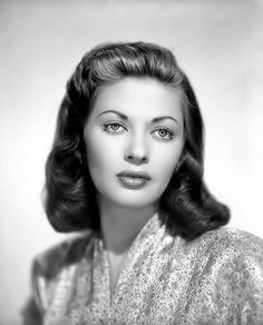 Yvonne deCarlo (Lilly Munster) 1940's old hollywood | Tumblr