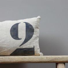Coussin en lin ancien 60x40 cm - Le Repère des Belettes