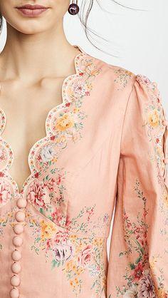 Charity Sewing Idea – How To Generate A Garment Address – By Zazok China Mode, Look Retro, Lagerfeld, Fashion Details, Fashion Design, Dress Cuts, China Fashion, Mode Inspiration, Beautiful Outfits