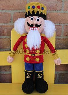 Nutcracker Amigurumi - Crochet Pattern by #MadebyMary | Featured at Made by Mary - Sponsor Spotlight Round Up via @beckastreasures | #fallintochristmas2016 #crochetcontest #spotlight #crochet #roundup