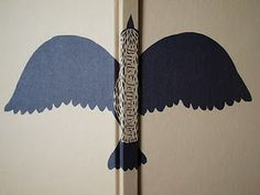 Spine design from 'Birds'. Illustrated by Jeffrey Fisher, Chronicle Books.