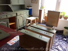 Bonanza szekrények átfestése krétafestékkel - Otthon, édes otthon Corner Desk, Kitchen Cabinets, Furniture, Fun, Home Decor, Restaining Kitchen Cabinets, Homemade Home Decor, Corner Table, Kitchen Base Cabinets