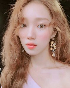 Top asian hairstyles to give you a makeover! Lee Sung Kyung, Sung Hyun, Twist Braid Hairstyles, Twist Braids, Asian Hairstyles, Korean Beauty, Asian Beauty, Chaotischer Pixie, Girl's Generation