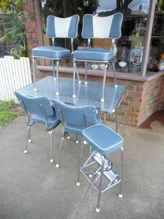 Poppa'S Restored Retro Kitchen Setting Laminex Formica Table 4 Chairs Stool in Gippsland, VIC Retro Table And Chairs, Retro Kitchen Tables, Retro Dining Table, Diner Table, Dining Room Table Chairs, Kitchen Sets, Vintage Table, Vintage Kitchen, Vintage Decor