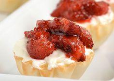 Mini cheesecake με φράουλες! |