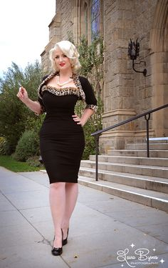 Stephanie dress and matching shrug in black from Pinup Couture -- Pinup Girl Clothing Rockabilly Pin Up, Rockabilly Fashion, Retro Fashion, Vintage Fashion, Vintage Inspired Dresses, Vintage Dresses, Vintage Outfits, Pin Up Outfits, Mode Outfits