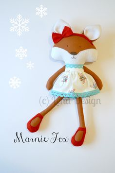Lena and the Hedgehog Dolls Cute Crafts, Felt Crafts, Plush Dolls, Doll Toys, Sewing Stuffed Animals, Bear Doll, Sewing Dolls, Cute Toys, Doll Maker