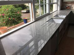 Kitchen of the week… Located in Newmarket, Suffolk, showcasing the Symphony Carrera - Rock and Co Granite Ltd Carrara Quartz, Carrera, Granite, Kitchens, Rock, Home Decor, Homemade Home Decor, Stone, Kitchen