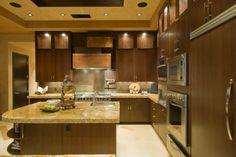 Charmant Aus Holz, Moderne Küche Mit Granit Gegenoberseiten Und Edelstahl Geräte