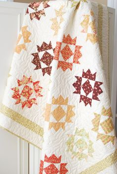 Jubilee Quilt | Love the fall colored fabrics, very fig tree quilt-esq which i love! very pretty -- use #AccuQuilt dies to cut the shapes for this project at www.accuquilt.com!