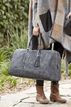 Large weekend getaway bag in washed black | Sole Society Landin