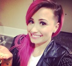 See Demi Lovato's Dramatic Hair Makeunder | Twist