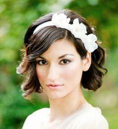 Penteados curtos para noivas