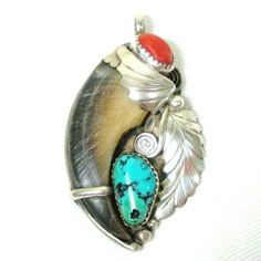 Navajo silver, turquoise and coral. Silver Jewellery Indian, Silver Jewelry, Navajo Jewelry, Coral Turquoise, Turquoise Jewelry, Modern Jewelry, Vintage Jewelry, Bear Claw Necklace, Native American Jewelry