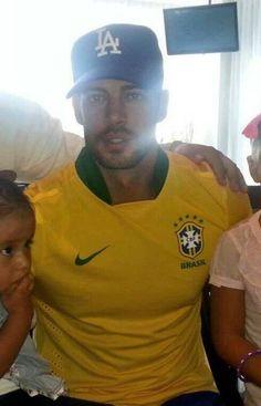 Brasil ,lindo gato , a Brasileira aqui te ama