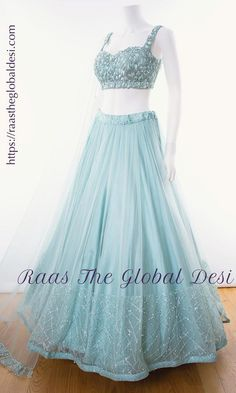 Party Wear Indian Dresses, Designer Party Wear Dresses, Party Wear Lehenga, Indian Gowns Dresses, Indian Bridal Outfits, Dress Indian Style, Indian Fashion Dresses, Indian Designer Outfits, Indian Wear