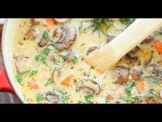 Creamy Chicken and Mushroom Soup - So cozy, so comforting and just so creamy. Best of all, this is made in 30 min from start to finish - so quick and easy! Mushroom Soup, Mushroom Recipes, Creamy Chicken, Roasted Chicken, Chicken Pot Pie Soup Recipe, Vegan Vegetable Soup, Creamy Potato Soup, Stuffed Mushrooms, Stuffed Peppers