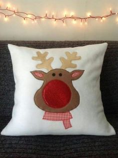 Here are the Red Pillow Designs Ideas Christmas. This article about Red Pillow Designs Ideas Christmas was posted under the … Sewing Pillows, Diy Pillows, Decorative Pillows, Throw Pillows, Christmas Sewing, Christmas Fun, Christmas Decorations, Christmas Cushions To Make, Rudolph Christmas