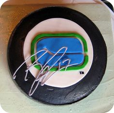 and who wouldn't love their birthday cake autographed in icing by a real life NHL player? What up Ryan Kesler! Way to sign a cake! Hockey Birthday, Birthday Cake, Ryan Kesler, Nhl Players, Hockey Puck, Holi, Icing, Sweet Treats, Cake Ideas