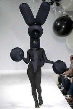 Gareth Pugh Fall 2006 Ready-to-Wear Fashion Show
