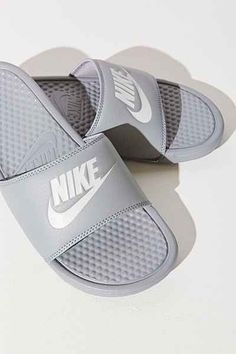 Mens/Womens Nike Shoes 2016 On Sale!Nike Air Max, Nike Shox, Nike Free Run Shoes, etc. of newest Nike Shoes for discount sale Nike Free Shoes, Nike Shoes Outlet, Running Shoes Nike, Mens Running, Running Style, Woman Running, Nike Blazer Outfit, Sport Outfit, Nike Slides