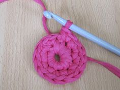 Käsityön riemua: Virkatun korin ohje Korn, Crochet Necklace, Knitting, Tricot, Breien, Stricken, Weaving, Knits, Crocheting