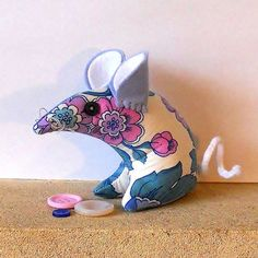 SALE Retro ReBorn Mouse 70s Pink and Blue Flower Power  Vintage Fabric £7.00