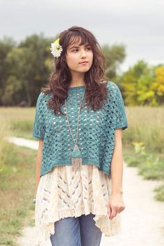 The Kricka Top is worked in gorgeous Indian Cross-stitch in two identical pieces, then the shoulder and side seams are sewn. This knitted top pattern is from knitscene Summer 2017—check it out here!