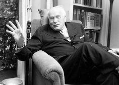 Um hindu pergunta a Jung: quem precisa de menos encarnações pra se salvar, quem… Sigmund Freud, Rare Photos, Vintage Photos, C G Jung, Anahata Chakra, Art Programs, Great Women, Silent Film, Sufi