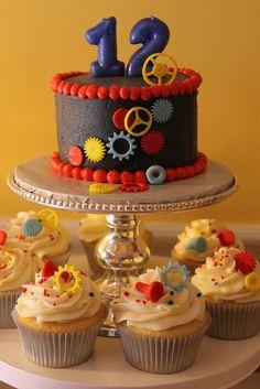 Robots / Birthday cake & cupcakes