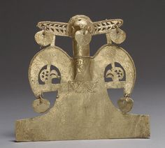 Bird Pendant Date: century Geography: Colombia Culture: Muisca Medium: Gold (cast) Dimensions: H. 4 x W. 4 x D. x x cm) Classification: Metal-Ornaments Real Gold Jewelry, Gold Jewellery Design, Jewelry Art, Historical Artifacts, Ancient Artifacts, Ancient Aliens, Ancient History, Colombian Gold, Art History Timeline