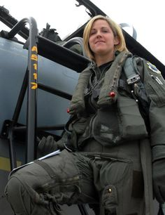 giu. Female Pilot