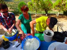 Greek cookbook of Zorbas on Crete: The Greek Cookbook of Zorbas Island (cooking workshops): regularly we give you a new recipe from our Greek kitchen. Greek Cookbook, Tzatziki Recipes, Workshop, Greece Holiday, Mediterranean Diet, New Recipes, Cooking, Greek Dishes, Meal
