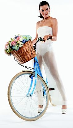 Gearing up for her own wedding: Victoria Pendleton shows off her toned legs as she poses for Brides magazine in sequin pants Victoria Pendleton, 2012 Summer Olympics, Sequin Pants, Bicycle Girl, Tone It Up, Olympians, Fitness Tips, Sexy Women, Celebs