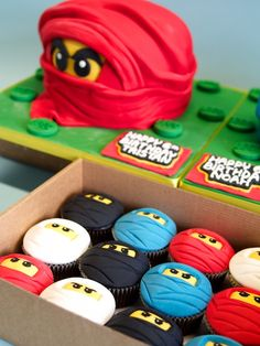Lego Ninja cakes and cupcakes