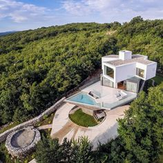 Spectacular summer house on a hilltop, on the island of Krk in Croatia, by Turato Architects