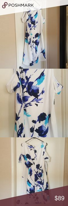 Ralph Lauren Dress NWT. Stunning off shoulder dress. I just can't say enough about how beautiful this dress is. I hope it finds a happy home😊.  It is a little bit wrinkled, but that is easily fixed.  Comes from a smoke free cat friendly home. Ralph Lauren Dresses Midi