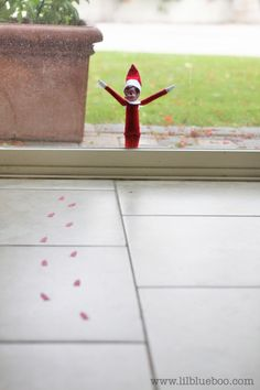 christmas ideas for him, the doors, little red, living room windows, elf on a shelf ideas for kids, footprint, help kid, elves, christmas ideas for outside