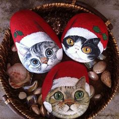 Holiday and Seasonal Stone Art..... an Idea That Jingle Bell Rocks! | hubpages