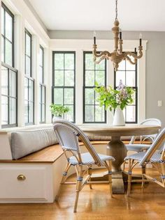 Built in bench seating at kitchen eat-in area - black interior windows and white trim Black Window Trims, Black Windows, Wood Windows, Windows And Doors, Sunroom Windows, Crittall Windows, Interior Window Trim, Black Trim Interior, Sash Windows