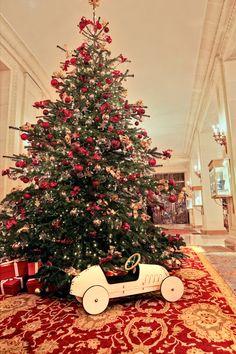 Le sapin de Noël du Bristol à Paris