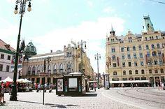 Prague Old Town City . . YES! . . It's Praha(Prague)!! . . Nice, Good, Happy to See you, Praha. . . . #prague #oldtown #town #cityhall #city #hall #Square #epic #majestic #gorgeous #프라하 #유랑 #유디니 #유럽 #여행 #여행스타그램 #체코 #europe #czech #republic #Česká #praha #prague #travel #travelgram #sightseeing  #shindangram