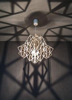 lampa wisząca TAKAMALA HIMMELI ze sklejki, Nasu