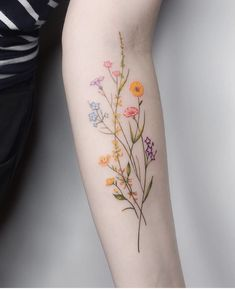 Over 80 stunning watercolor tattoo ideas for women tattoo & piercing . - Over 80 stunning watercolor tattoo ideas for women tattoo & piercing – flower tatt - Diy Tattoo, Tattoo Fonts, Tattoo Quotes, Tattoo Arm, Custom Tattoo, Tattoo Ribs, Calf Tattoo, Lotus Tattoo, Wrist Tattoos