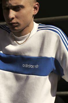 글로벌 스포츠 브랜드 아디다스 오리지널(Adidas Originals)이 2017 F/W를 발매했다. 우린 아직 여름인데 벌써 F/W가 발매하다니 브랜드마다 차이는 조금 있지만 약간 덥기도 하다. 무튼 이번 컬렉션에선 브랜드 디렉터 이자 스케이터 그리고 모델까지 활동 하고 있는 템스(Thames)의 수장 블론디 맥코이(Blondey Mccoy)가 선발로 나섰다. 시크하고 악동적인 이미지가 강한 맥코이를 협업은 몰라도 아디다스와 잘 맞을까 했는데 분위기가 훨씬 달라졌다. (자세한 내용은 사이트를 클릭해주세요!) WWW.BPEARMAG.COM